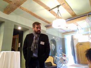 Herr Stefan Fiedler im Gespräch mi Kunden